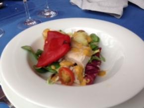 Ensalada de bonito fresco con dos salsas