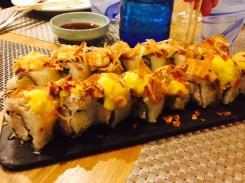 Roll de mar y montaña y roll de quinoa y aji amarillo