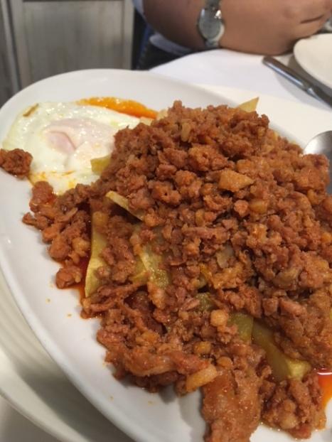 Picadillo con patatas y huevos