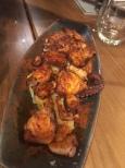 Pulpo frito con patata montada y oliva virgen
